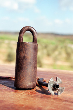 Push key locks