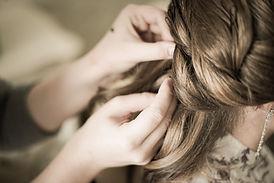 Bride-s-hairstyle-432974.jpg