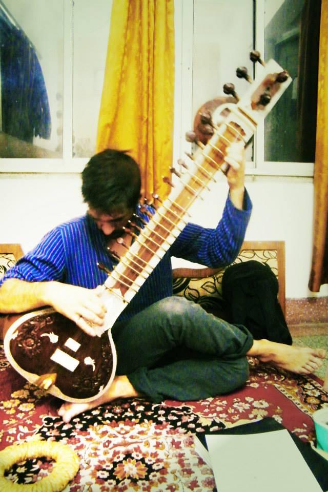 Sitar practice in Howrah