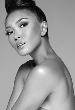headshot photography of a model