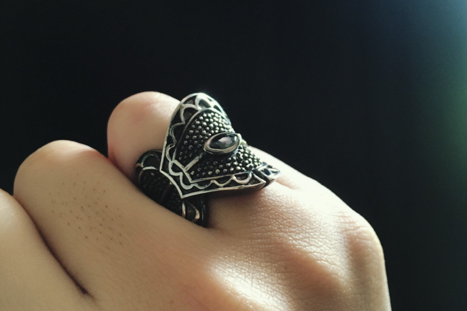 Steampunk ring Medieval ring Knitted silver ring Fantasy silver ring Bague homme femme White pearl ring Corset ring Chevalier ring
