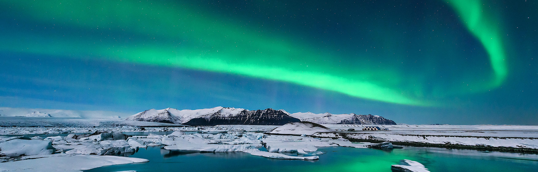 nothern-lights-Icelandair
