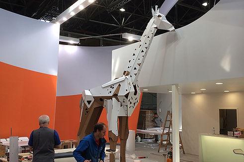 Lebensgrosses Modell einer Giraffe für die Interpack (Düsseldorf), in Einzelteile zerlegbar und leicht vor Ort zusammenzubauen.