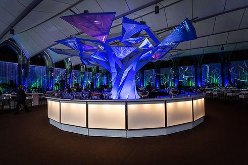 Landmark für ein Gala-Event und Preisverleihung für Holztechnologie, durch 3D Projection Mapping und dynamischer Lichtinstallation als Mittelpunkt für die After-Show inszeniert.
