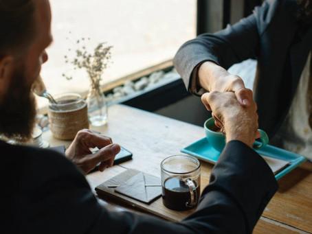 Η γλώσσα του σώματος σε συνέντευξη για δουλειά: Συχνά λάθη και tips βελτίωσης!