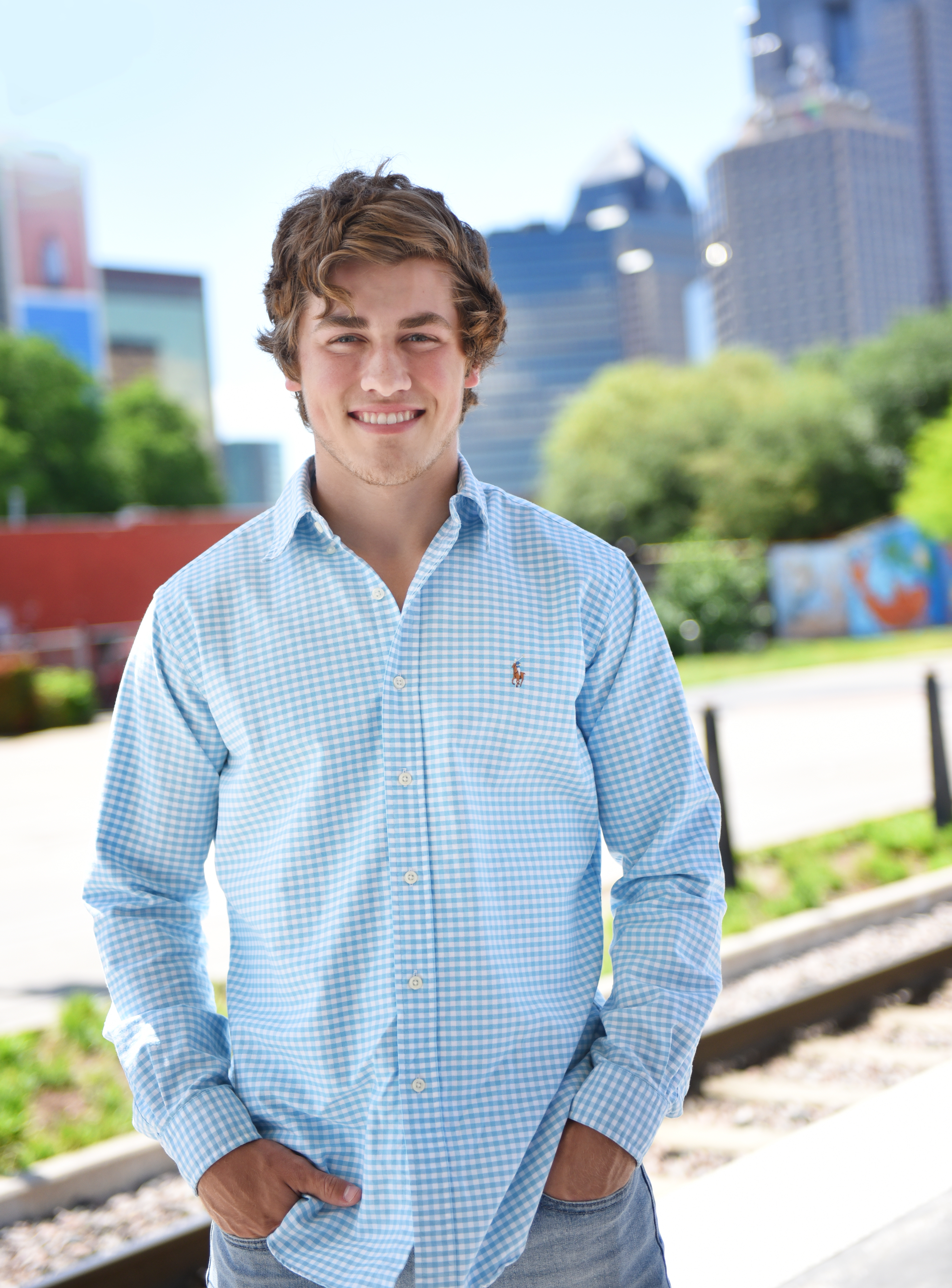 Downtown Dallas Senior Pictures