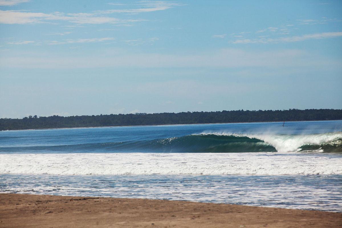 mandiri-beach-feb-krui.jpg
