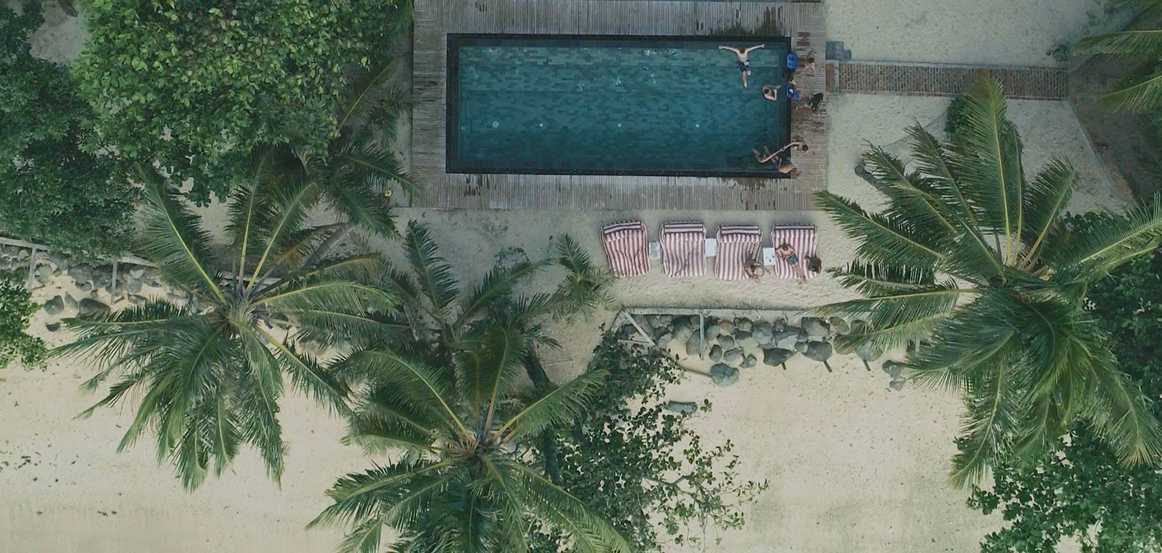outfront-&-pool.jpg