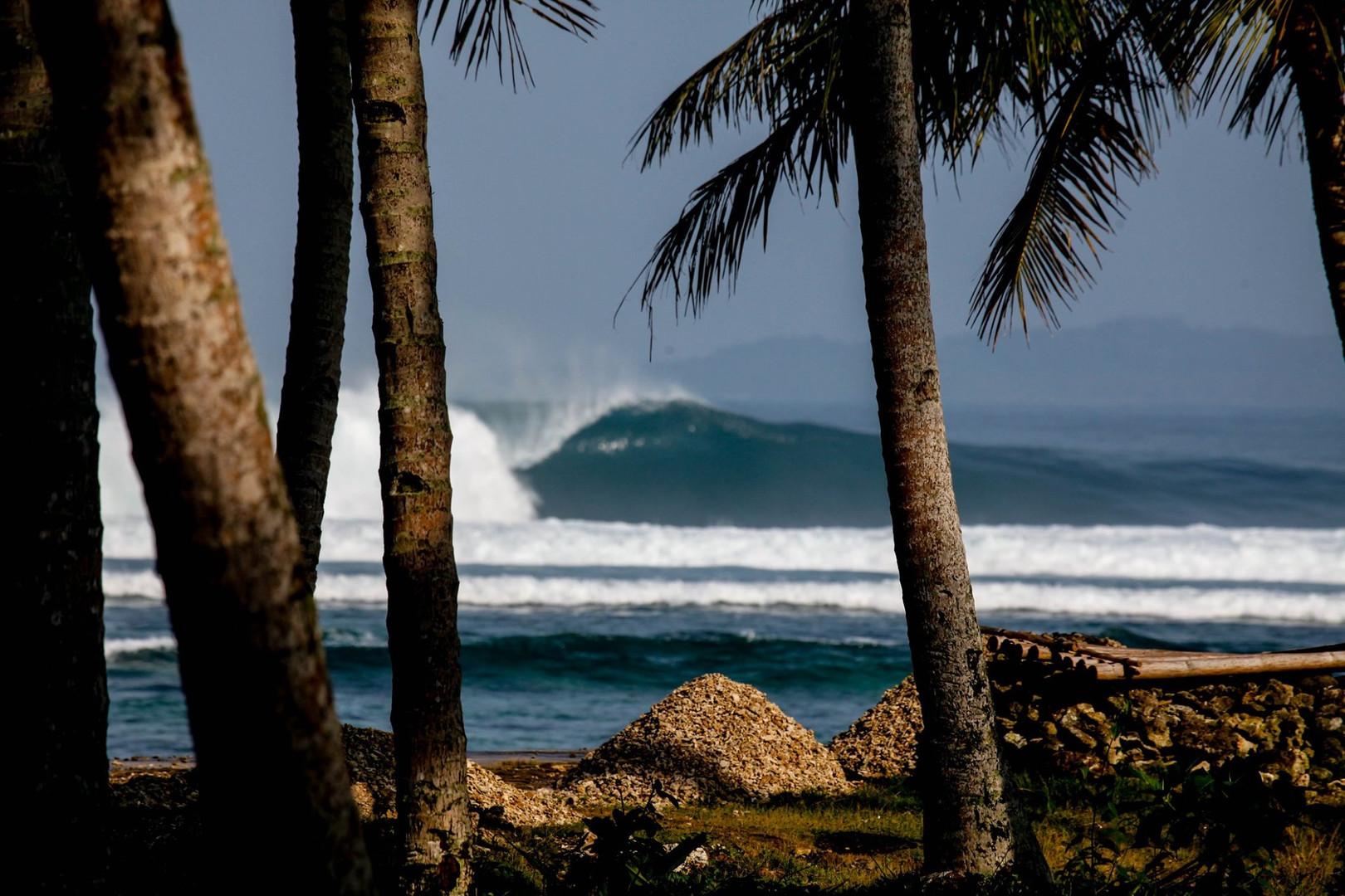 jimmys-left-surf-break.jpg