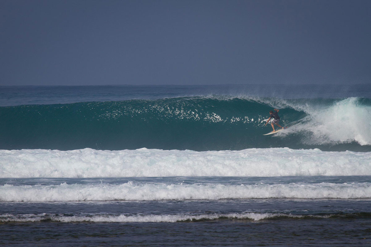 jimmies-right-south-sumatra-krui-surf.jp