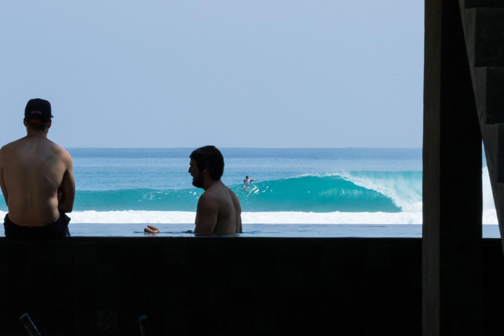 sumatra-surf-restort-krui-pool.jpg