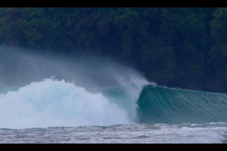 krui-left-south-sumatra-surf.jpg