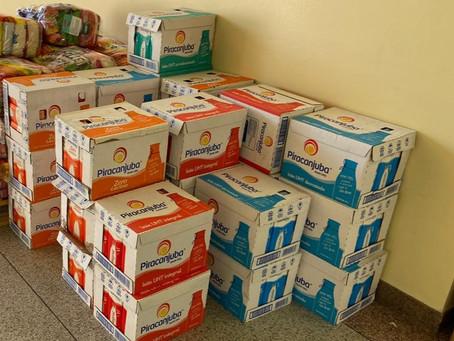 Piracanjuba doa 600 litros de leite em live do Patati Patatá