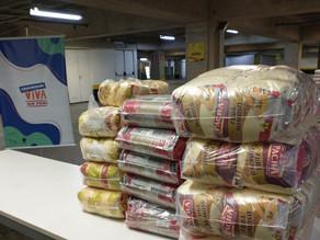 Marias Bonitas de Lourdes doam mais de 270 kg de alimentos para a ação