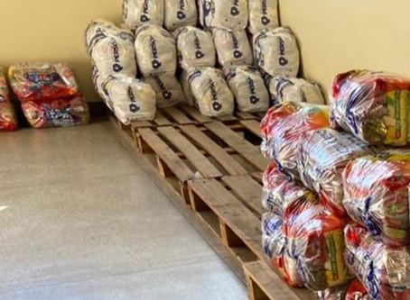Sindsemp MG doa 20 cestas para a campanha Comunidade Viva sem Fome