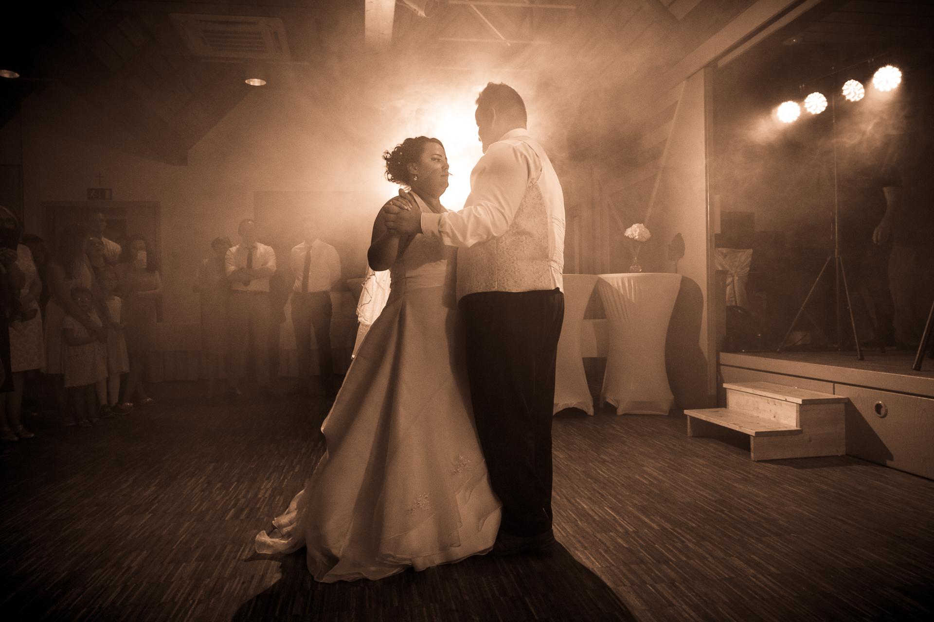 Tolles Licht beim Brauttanz