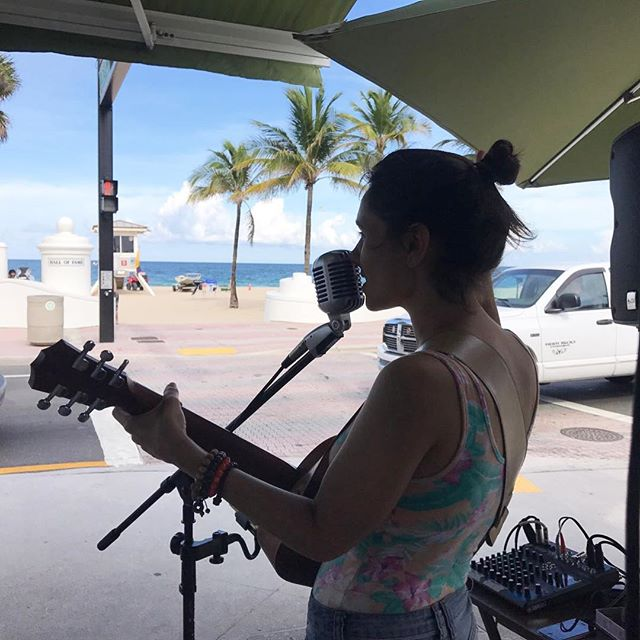 'Bout yesterday at St. Bart's Cafe. Such a great time playing my music 🌸 ._