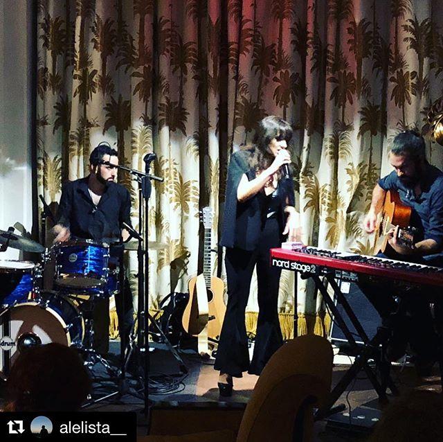 QUÉ NOCHE TETÉ! Lindo show en el Faena el Miércoles pasado 🌸 Gracias compas _ale_carrau _alejandro