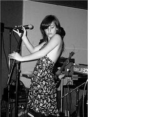 Ayyyy 🌸 📸 _maitacora - -_#performer #performance #singer #flor #livemusic