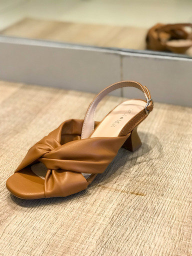Sandália soft salto baixo