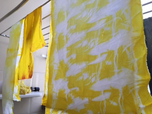 Tie Dye com Açafrão