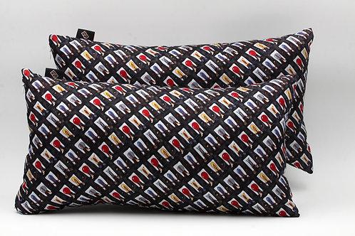 cuscini in seta nera constampa floreale, forma rettangolare