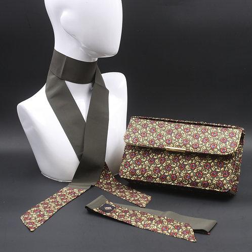 Clutch bag in seta grigiastampata con disegno floreale, con 2 foulard abbinati