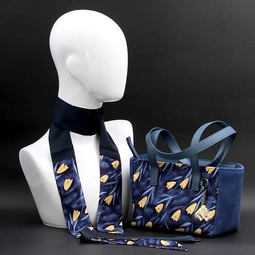 Borsa a spalla in camoscioblue inserti in seta con stampa floreale, con tonalità blu e giallo e manici in vera pelle blu