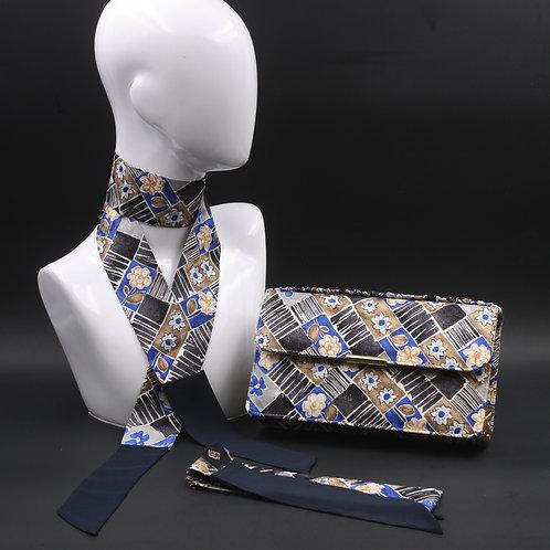 Clutch bag in seta blu stampata con fiori stilizzati, nelle tonalità del blu e beige, con 2 foulard abbinati