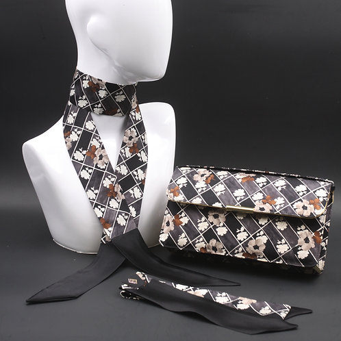 Clutch bag in seta nera stampata con fiori stilizzati, nelle tonalità del grigio, 2 foulard abbinati