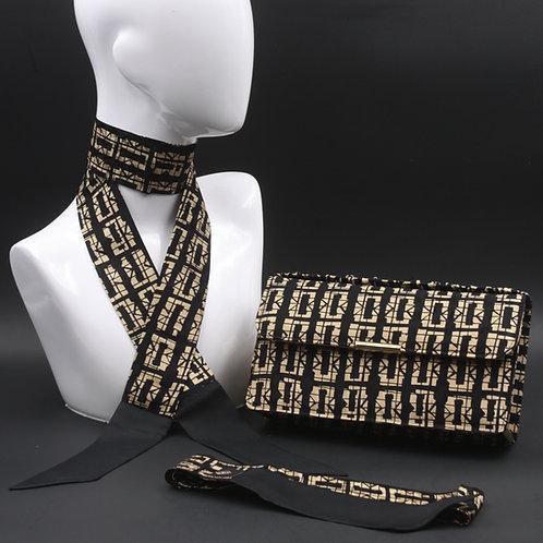 Clutch bag in seta nera stampata con disegni geometrici, con 2 foulard abbinati