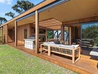 Outdoor living / Rakino. MBD Builders Ltd.