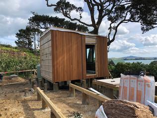 Pod bach placement / Rakino. MBD Builders Ltd.