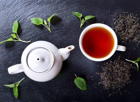 Profiter un thé pour bien passer le printemps