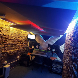 Bare Wall Studios - Studio X