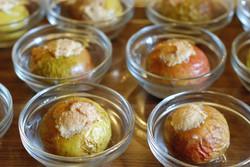 Gevulde appeltjes met notenpasta