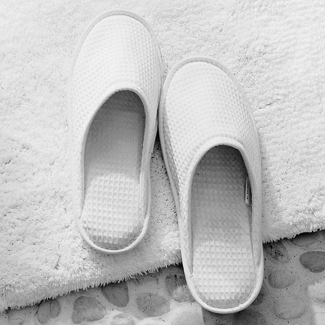 London-boutique-BnB-025SLIPPERS TheWhite