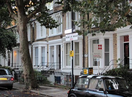 Barclay Road is a close-knit neighbourhood of 50 Victorian terraced houses, lined with original London plane trees planted circa 1882.