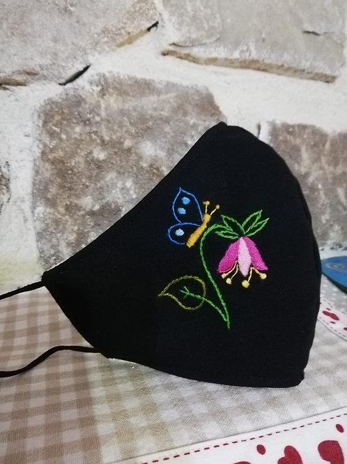 Mascherina Artigianale Fiore e Farfalla  Ricamata a Mano in cottone anallergico