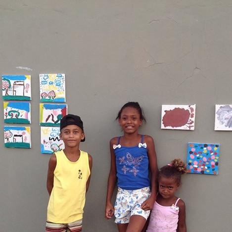Exposição dos trabalhos realizados pelas crianças e adolescentes