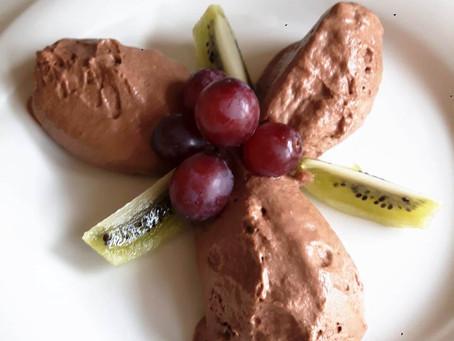 Klassische Mousse au Chocolat