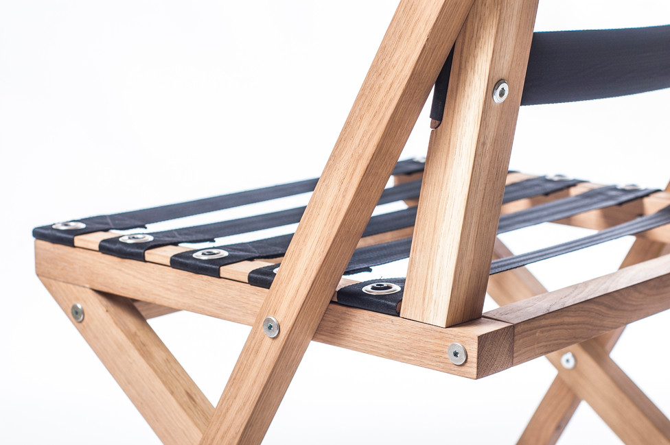 BOW chair details