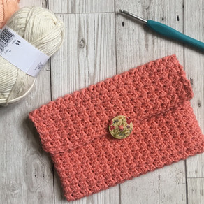 The Crunch Clutch Bag Crochet Pattern
