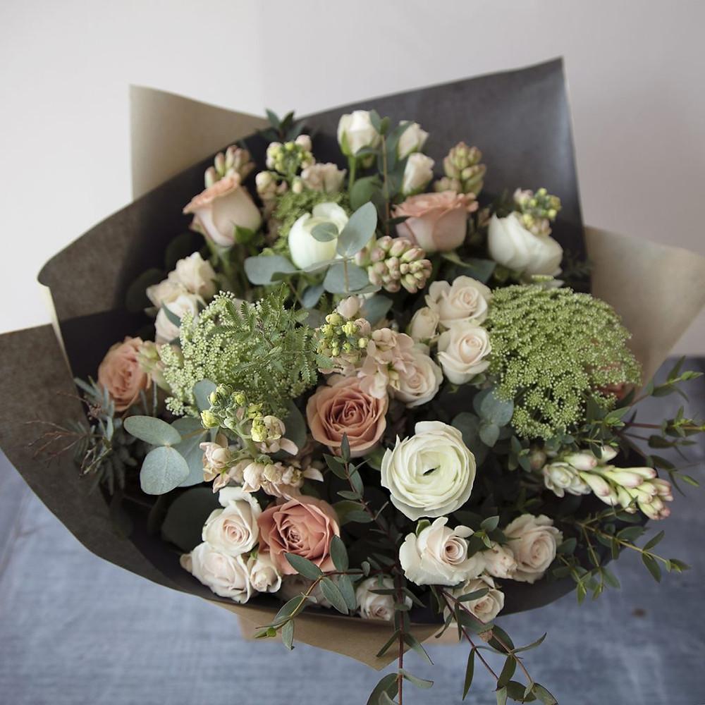 Send flowers in Bristol
