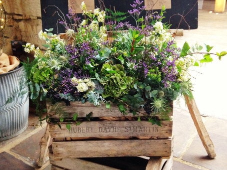 Cripps Barn Wedding Flowers – Fiona and Jeremy