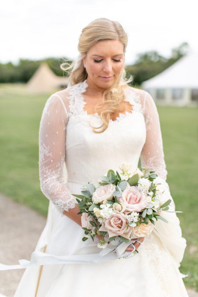 Ivory and blush wedding bouquet