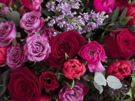 Send Valentine's Day Bouquets in Bristol