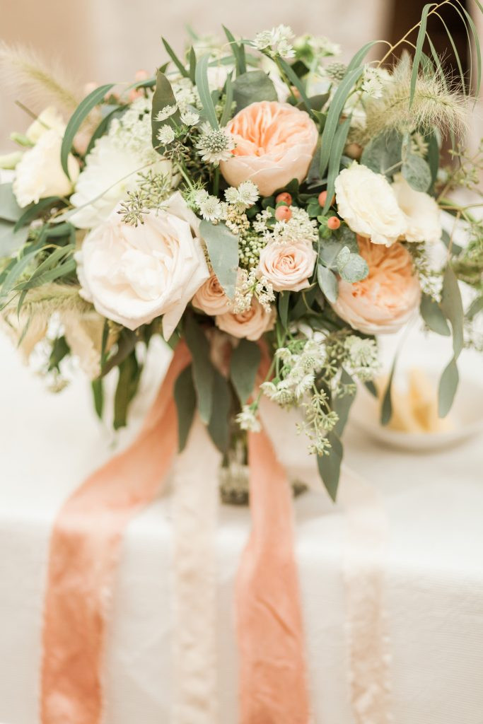 How to find your wedding florist