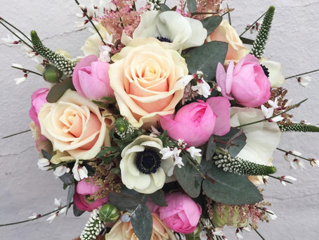 A weekend of spring wedding flowers at Priston Mill and Leigh Court