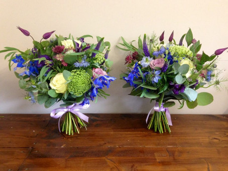 Rustic and Natural wedding flower inspiration – Purple and Blue flowers